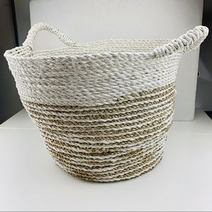 Plastic Twisted Floor Basket with Handles